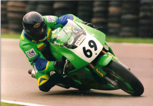 Steve on his Kawasaki ZXR750 competing in the British Superbikes in 1997